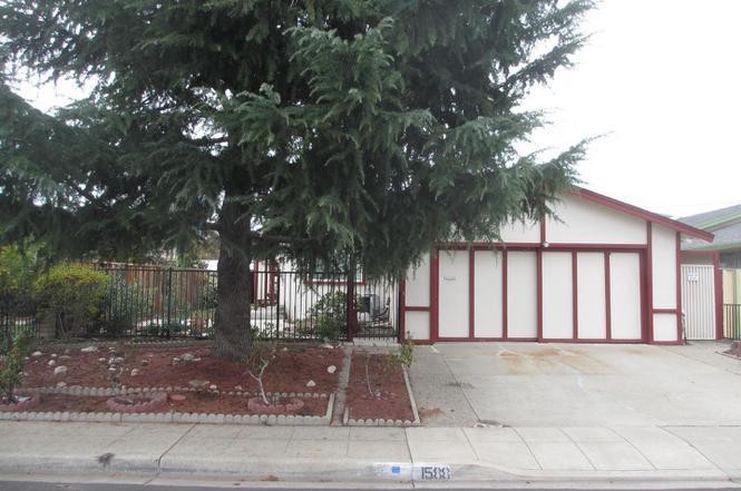 Charmant 1588 Pinewood Way, MILPITAS, CA 95035