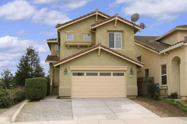 701 Vista Montana Dr, WATSONVILLE, CA 95076 - 4 beds/2 5 baths
