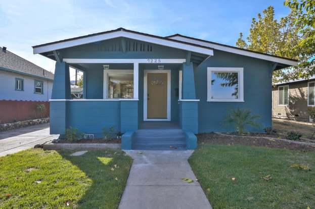 7225 Hanna St, GILROY, CA 95020 - 3 beds/2 baths