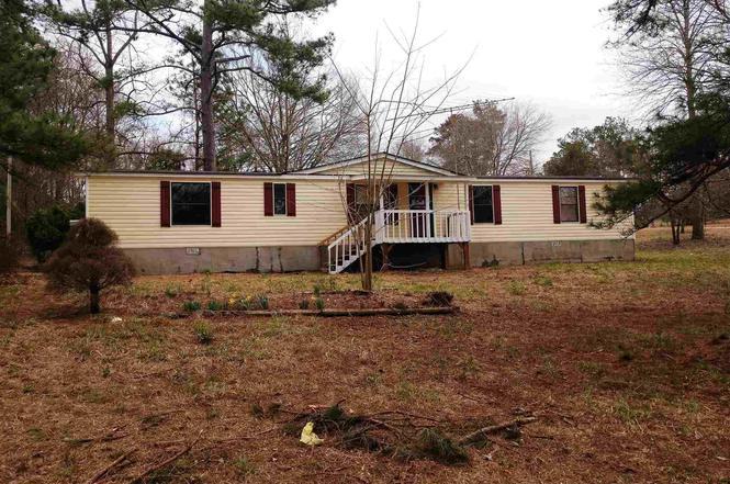 16 Rock Springs Lake Dr, Carrollton, GA 30116