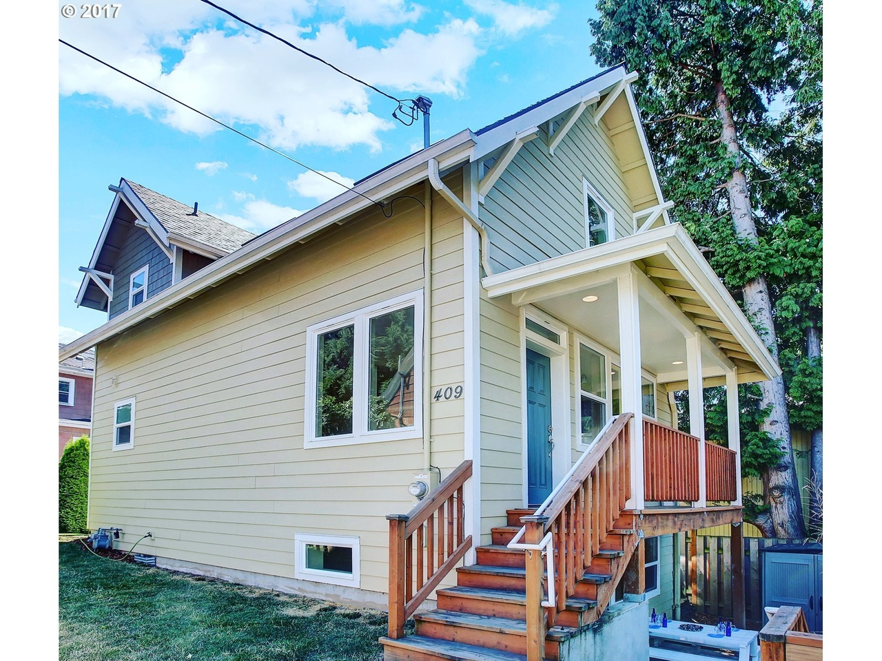 409 SE 20th Ave, Portland, OR 97214 | MLS# 17050206 | Redfin