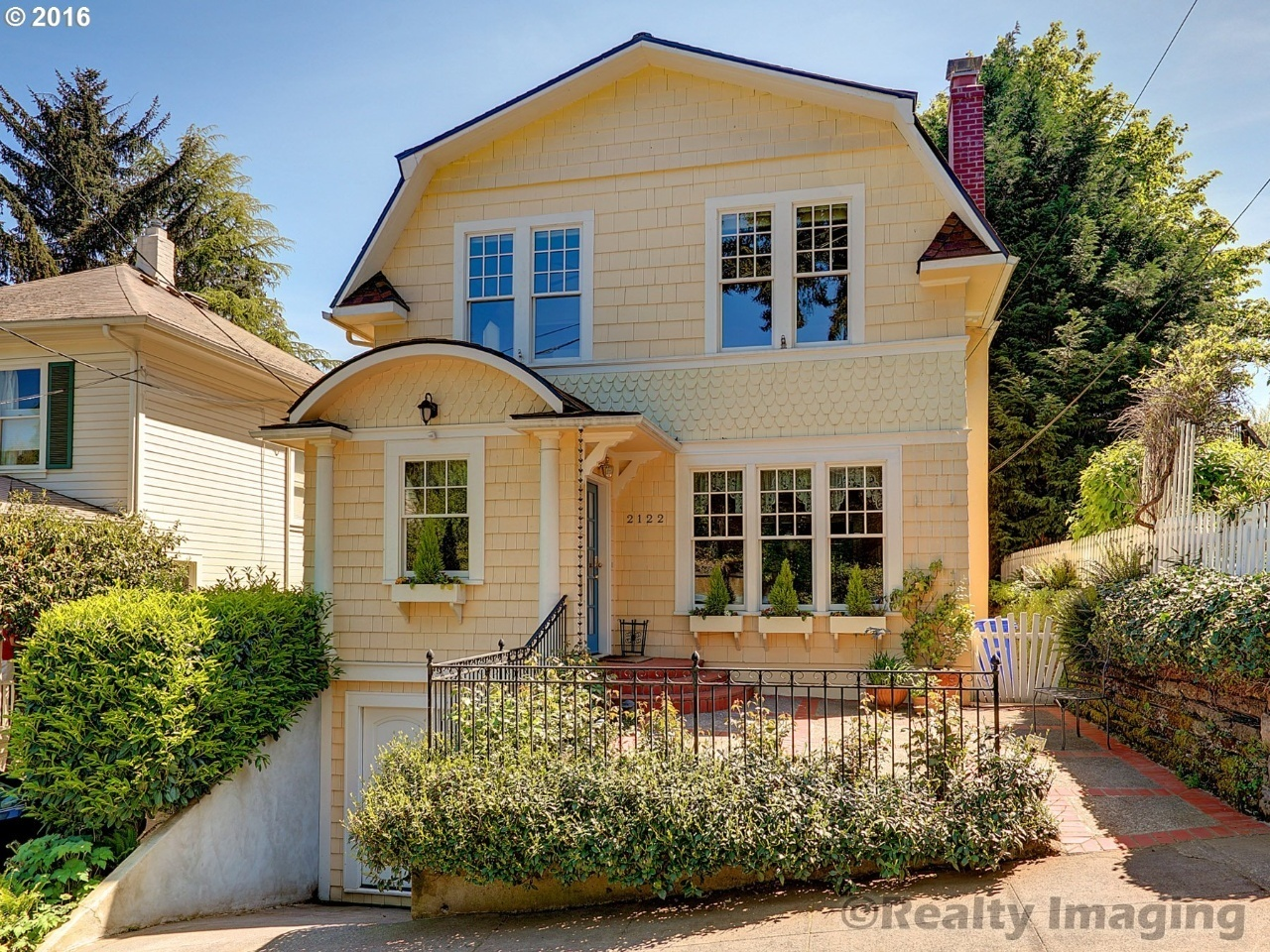 2122 SW 18th Ave, Portland, OR 97201 | MLS# 16565905 | Redfin