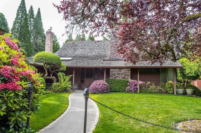Elegant 8600 SW Garden Home Rd, Portland, OR 97223