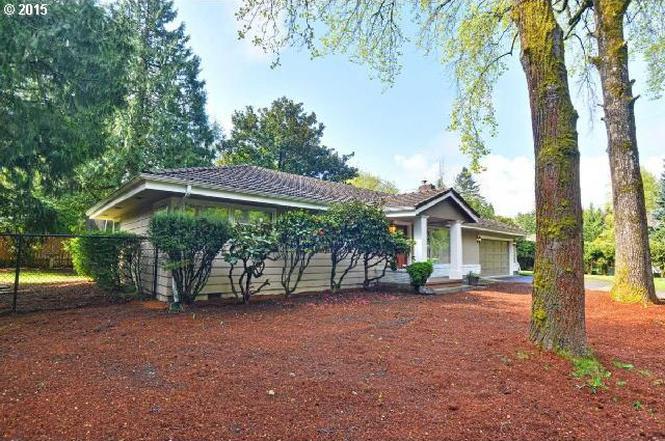 8240 SW Garden Home Rd, Portland, OR 97223