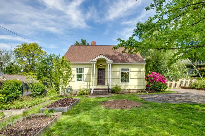 Lovely 6611 SW Garden Home Rd, Portland, OR 97223