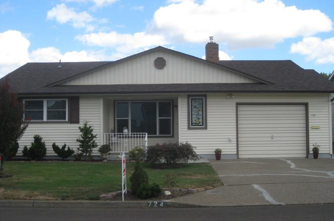 724 S Cascade Dr Woodburn Or 97071 Mls 16682704 Redfin