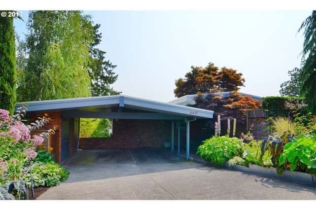 390 W 27th Ave Eugene Or 97405 3 Beds 3 Baths