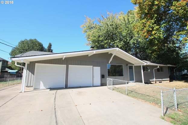 Cool 10121 N Oregonian Ave Portland Or 97203 3 Beds 2 Baths Home Interior And Landscaping Mentranervesignezvosmurscom