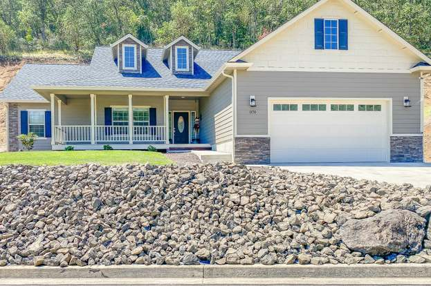 1170 Ne Rocky Dr Roseburg Or 97470 Mls 20248525 Redfin