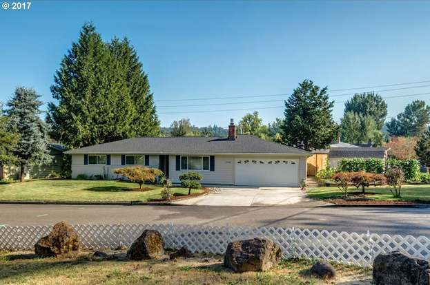 17798 SE Paradise Dr, Milwaukie, OR 97267