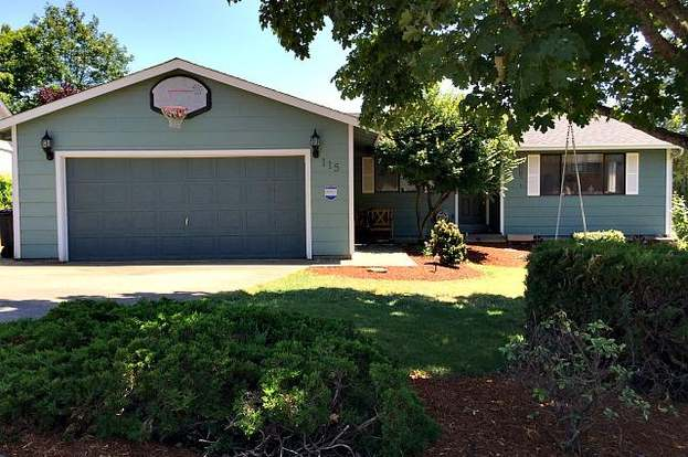 115 Aloha Ct, Roseburg, OR 97471 - 4 beds/2 baths