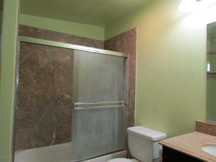 2921 W PORT ROYALE Ln, Phoenix, AZ 85053 - 5 beds/2 75 baths
