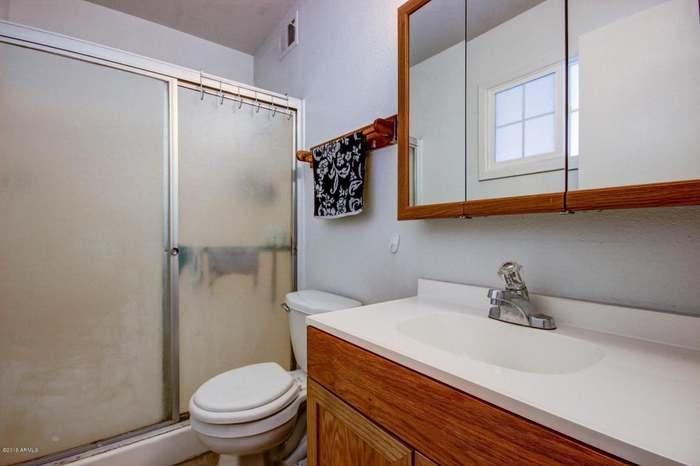 1610 N 52ND Dr, Phoenix, AZ 85035 - 3 beds/2 5 baths