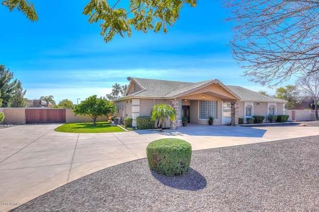 6987 W CALLE LEJOS Rd, Peoria, AZ 85383 - 4 beds/3 baths