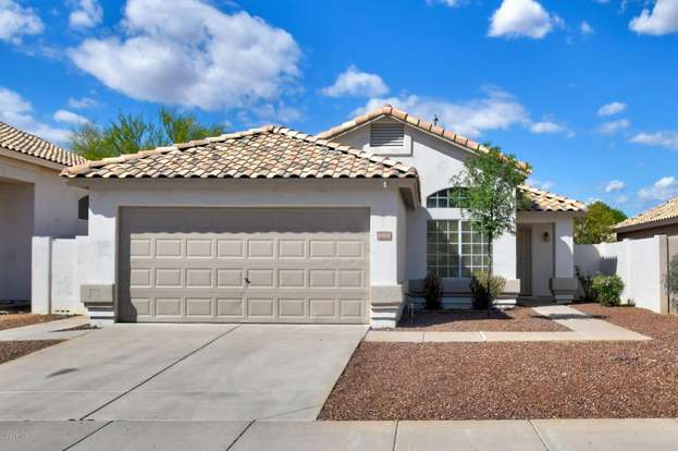 6818 W LOUISE Dr, Glendale, AZ 85310 - 3 beds/2 baths