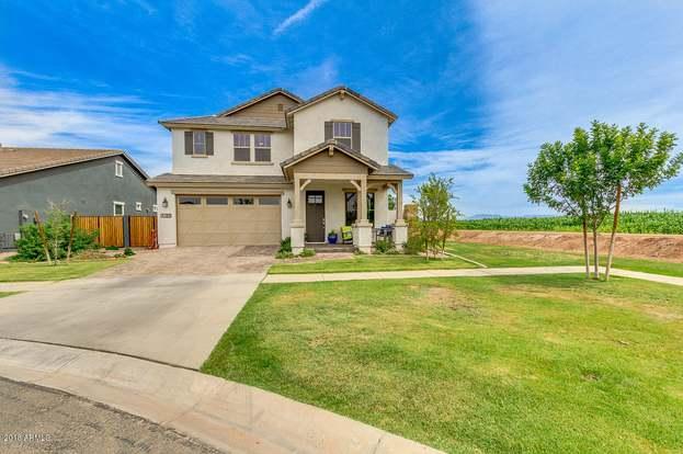 48 E MESQUITE St Gilbert AZ 48 MLS 48 Redfin Gorgeous 5 Bedroom Homes For Sale In Gilbert Az Concept