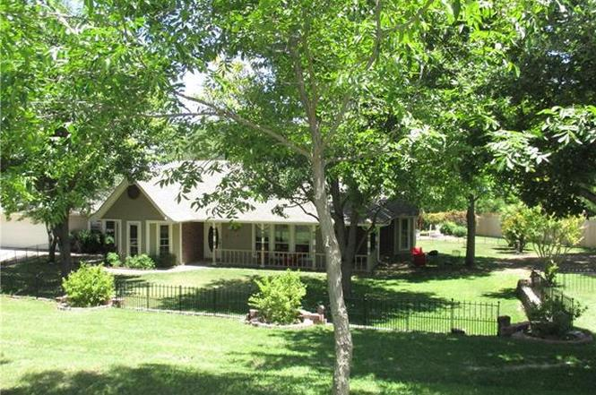 501 Land Of Goshen Dr Springtown TX 76082