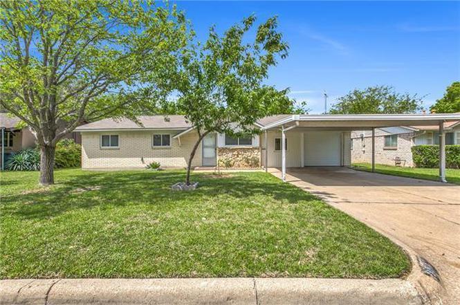3617 Larry St, Haltom City, TX 76117