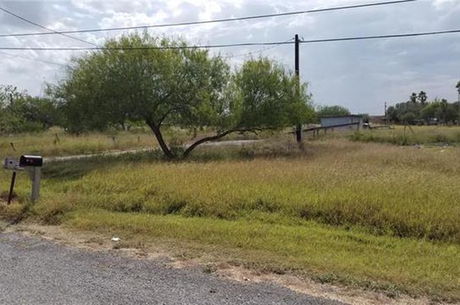 5073 Amber St, Bishop, TX 78343