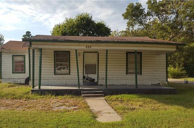 404 Sparks St Terrell TX 75160 & 404 Sparks St Terrell TX 75160   MLS# 13716692   Redfin pezcame.com