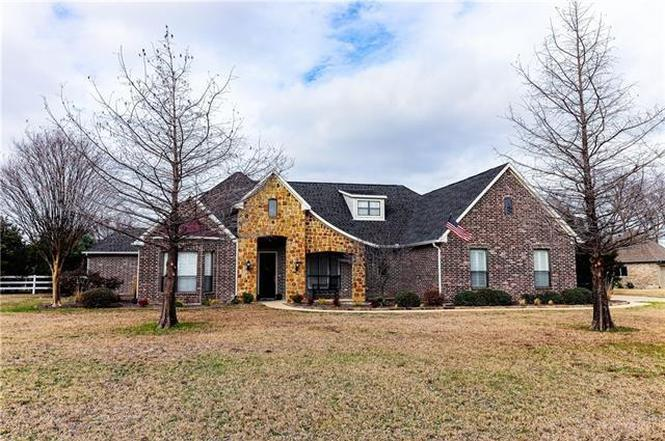 711 Equestrian Dr Rockwall Tx 75032 Mls 14019929 Redfin