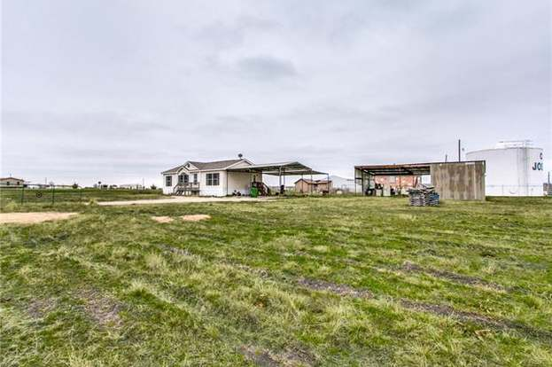 6425 Mirage St, Nevada, TX 75173 - 3 beds/2 baths