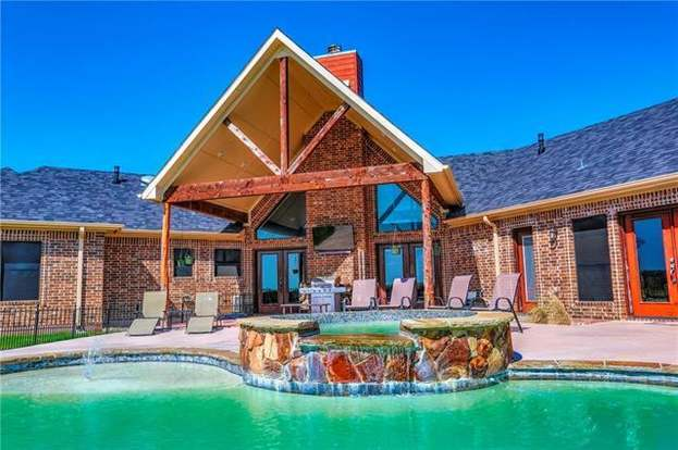 2070 County Road 329 Gainesville Tx 76240 Mls 13847296 Redfin