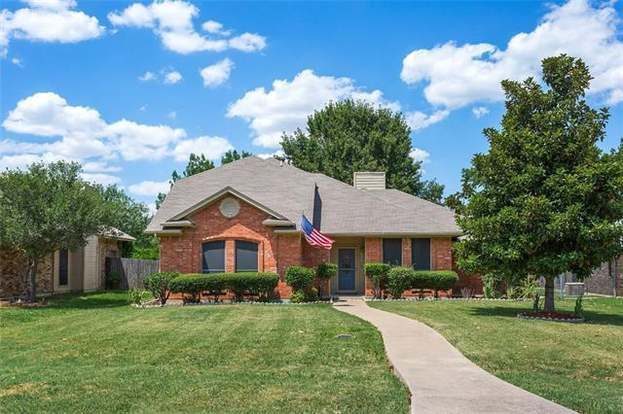 Stupendous 314 Campo St Grand Prairie Tx 75051 4 Beds 2 Baths Complete Home Design Collection Papxelindsey Bellcom