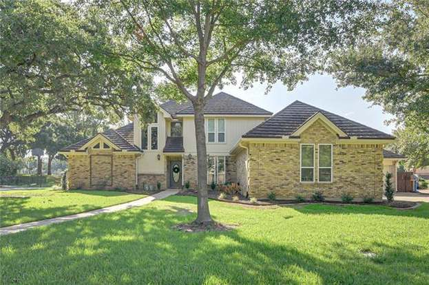 1102 Country Club Ct Mansfield Tx 76063 Mls 14176330 Redfin