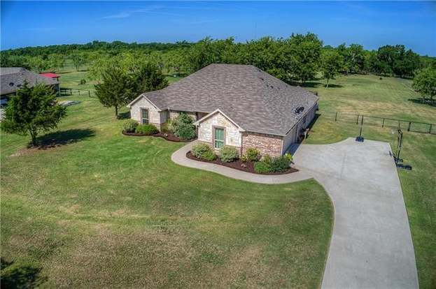 3646 County Road 2208, Greenville, TX 75402 - 4 beds/2 baths