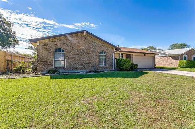 509 Oak St Burleson Tx 76028 Mls 13958628 Redfin