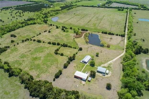 2266 County Road 1071, Greenville, TX 75401 - 3 beds/2 baths