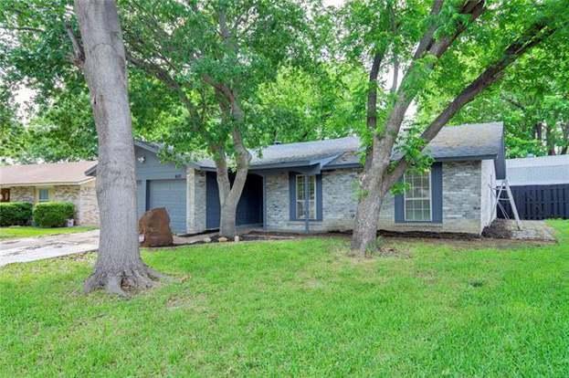607 Lynnfield Dr, Arlington, TX 76014 - 3 beds/2 baths