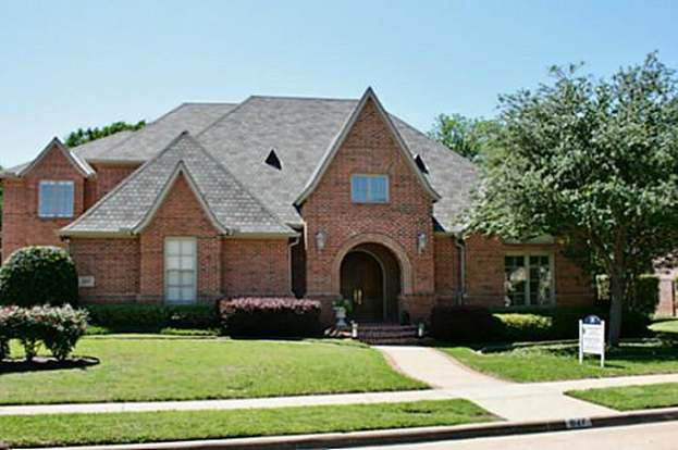 627 Stratford Ln, Coppell, TX 75019 - 5 beds/4.5 baths on