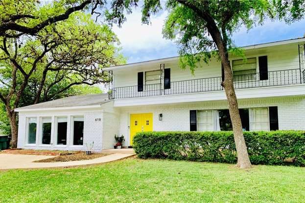 618 Franklin Dr, San Marcos, TX 78666 - 4 beds/2 5 baths