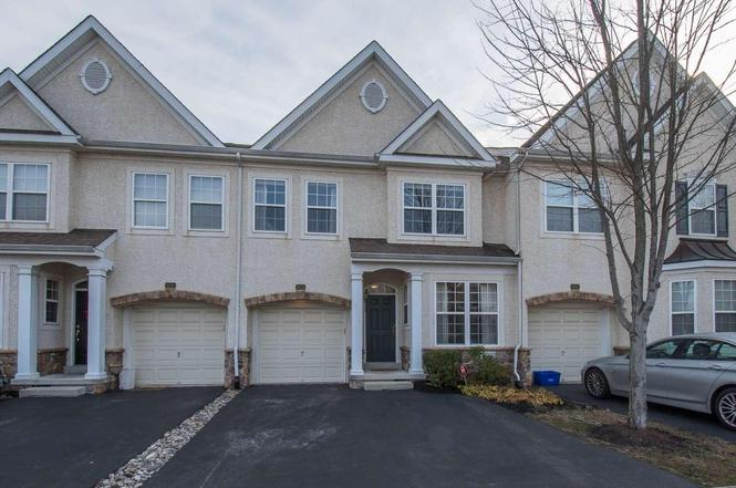 105 ROLLING HILL Dr, PLYMOUTH MEETING, PA 19462