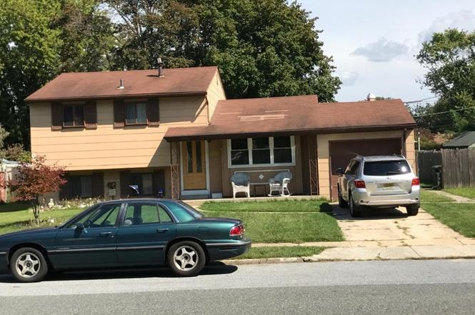 908 lois dr monroe twp nj 08094 mls 7057843 redfin for Kitchen cabinets 08094