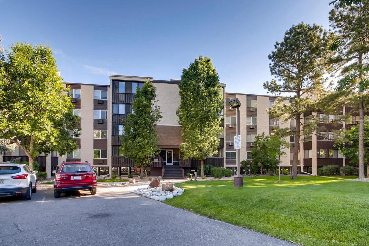 3450 S Poplar St #102, Denver, CO 80224 | MLS# 6900115 ...