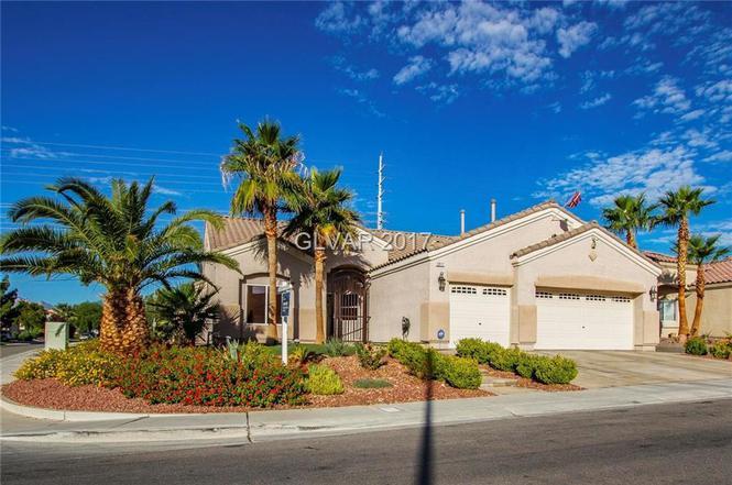 North Las Vegas >> 5917 Aqua Verde St North Las Vegas Nv 89031 Mls 1904493 Redfin