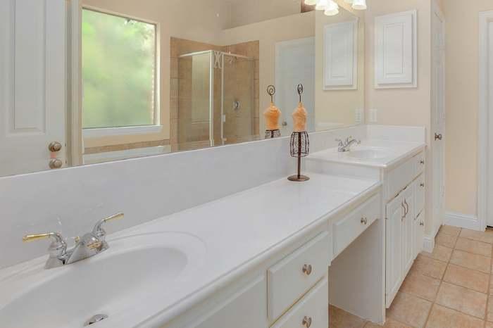 4660 Chapel Creek Dr, Plano, TX 75024 - 4 beds/3 5 baths