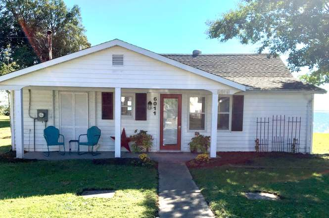 6011 1st Ave, Deale, MD 20751 - 2 beds/1 bath